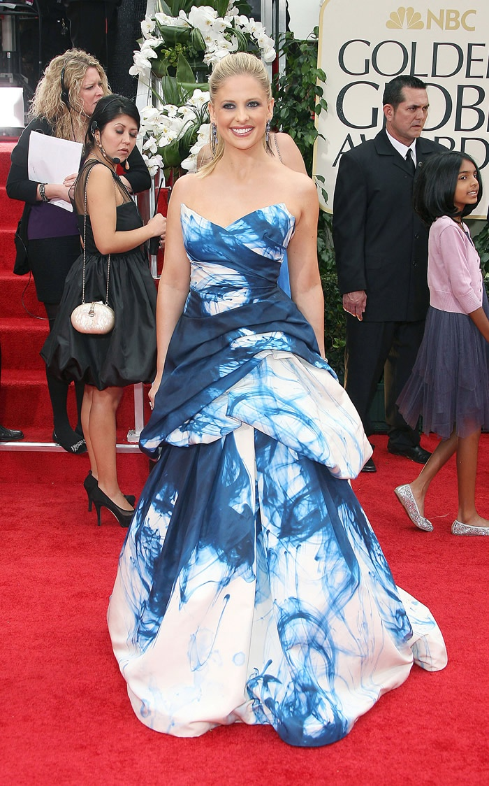 Sarah Michelle Geller in a Monique Lhuillier dress