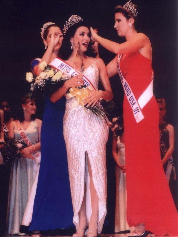 Eva Longoria was crowned Ms. Corpus Christie in 1998